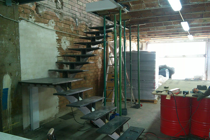 ejecucion de escalera de diseño teak solutions