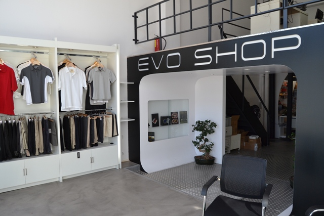 reforma local Evolution Yatch tienda