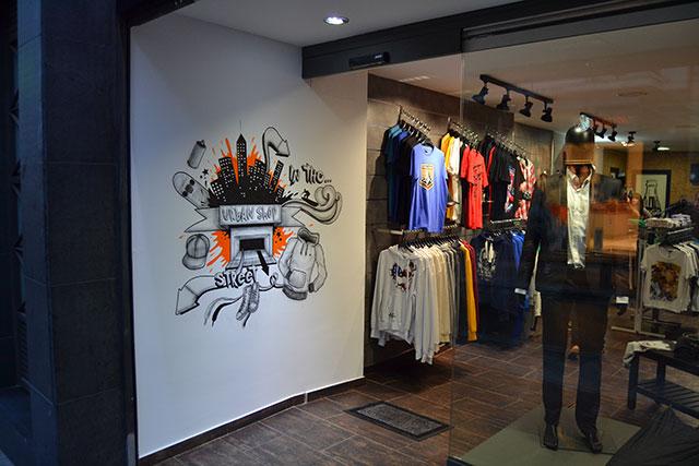Reforma integral para tienda de ropas,lateral izq