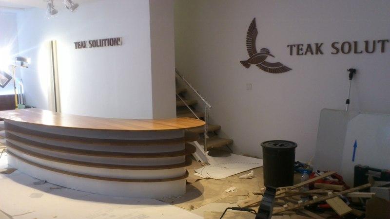 Reforma integral oficinas Teak Solutions, acabados