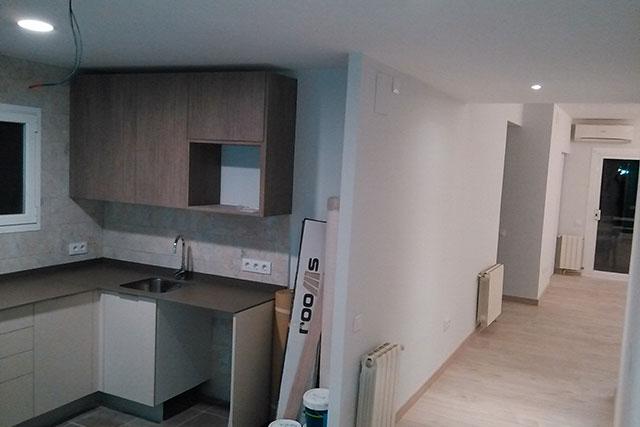 Reforma integral piso en Roger de Flor, en acabados 3