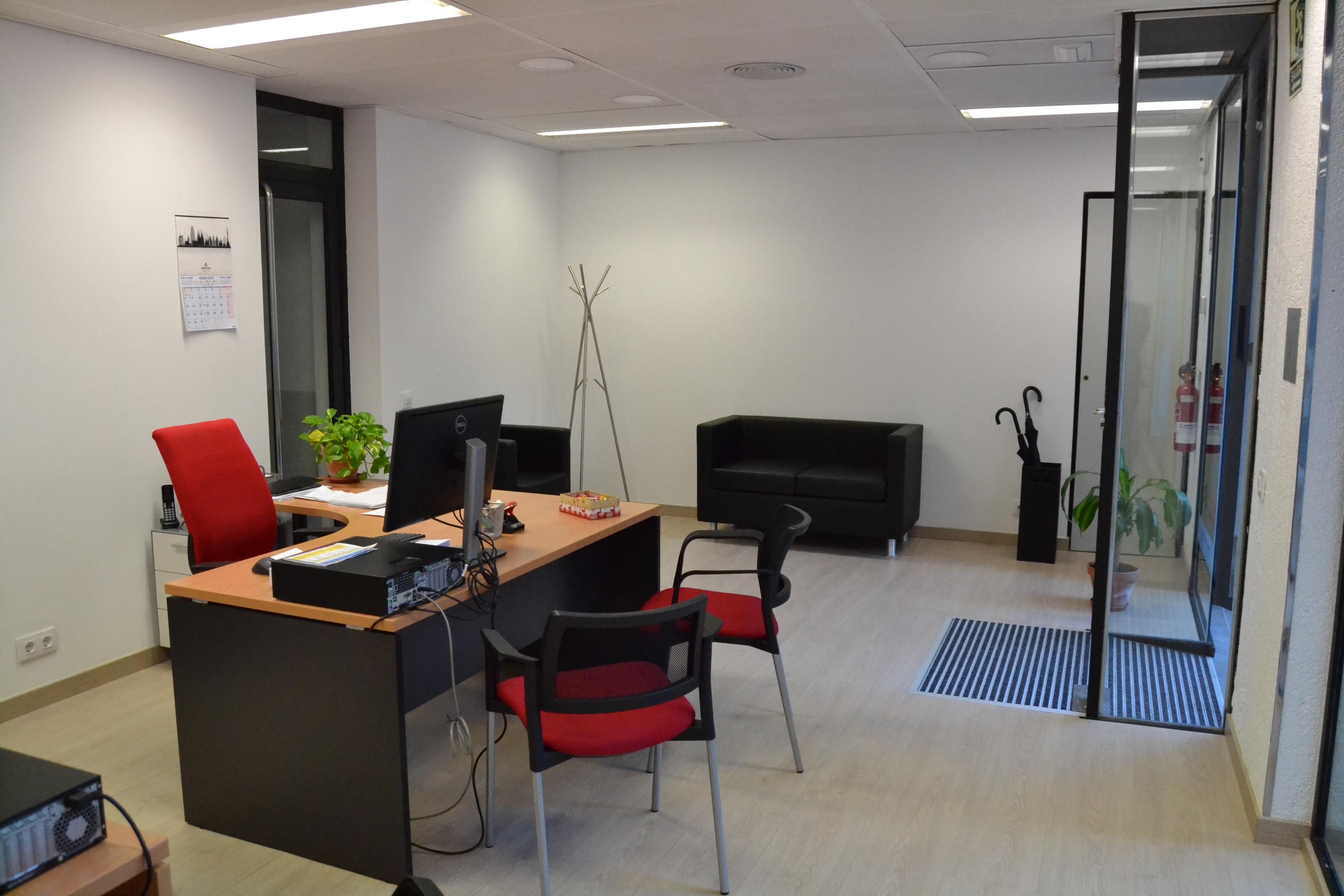 Reforma integral de local para oficina inmobiliaria estancia