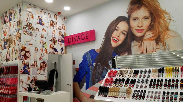 reforma tienda DIVAGE en centro comercial